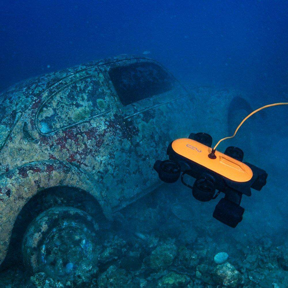 The T1 checks out an underwater wreck in this photo.